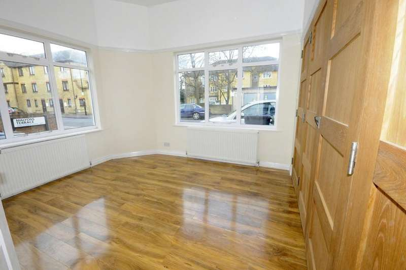 2 Bedrooms Ground Flat for sale in Malyons Road, London