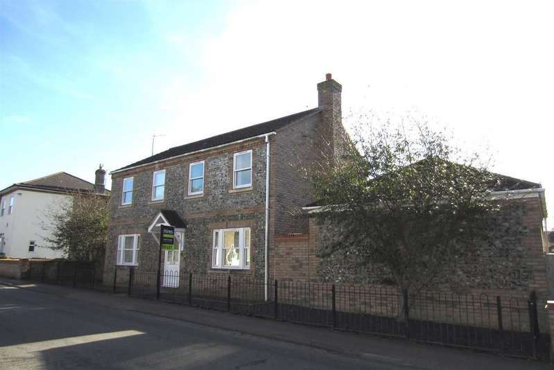 4 Bedrooms Detached House for rent in Wings Road,Lakenheath