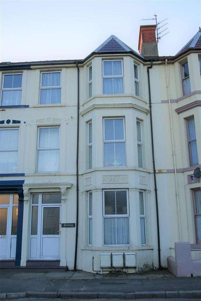 1 Bedroom Flat for rent in Embankment Road, Pwllheli