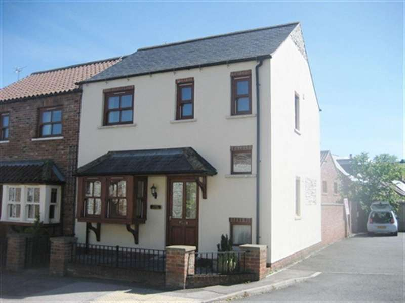 3 Bedrooms House for rent in Front Street, Langtoft, Driffield, East Yorkshire