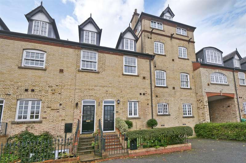 3 Bedrooms Terraced House for sale in Abbey Brewery Court, Swan Street, West Malling