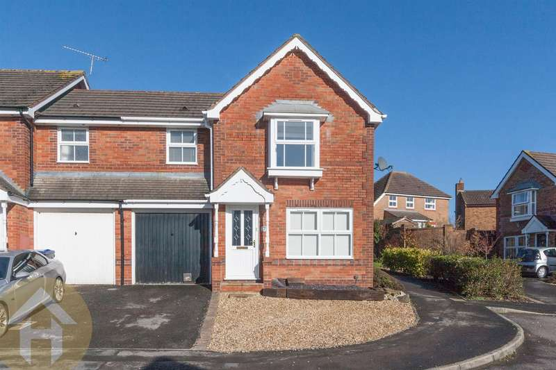 3 Bedrooms End Of Terrace House for sale in Ravens Walk, Royal Wootton Bassett SN4