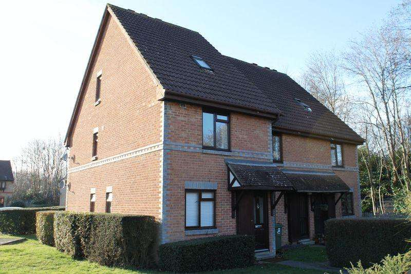 2 Bedrooms Apartment Flat for sale in Burpham, Guildford