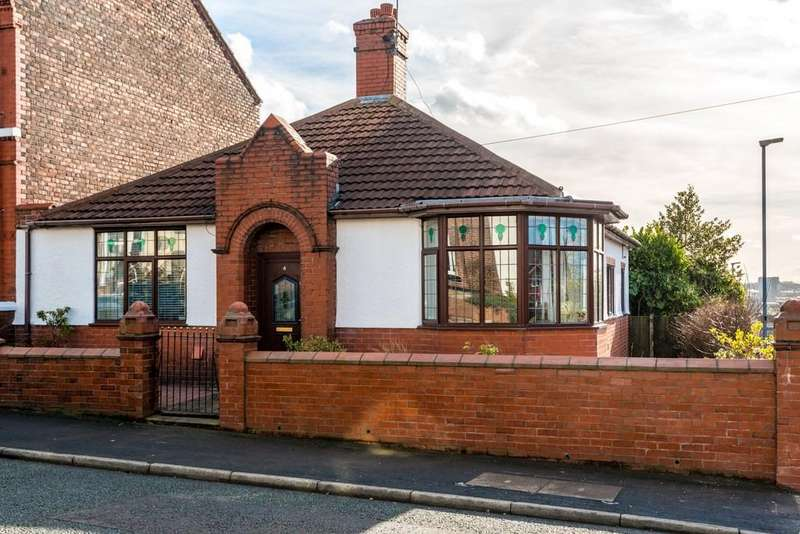 3 Bedrooms Semi Detached Bungalow for sale in Windle Street, Cowley Hill, St. Helens