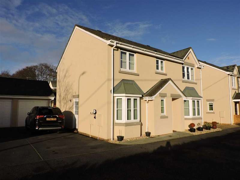 4 Bedrooms Detached House for sale in Parc Starling, Johnstown, Carmarthen