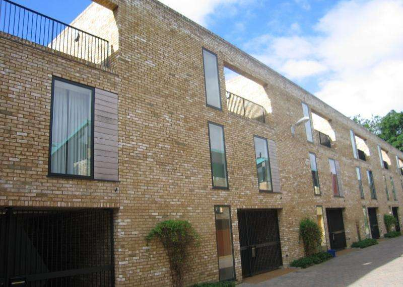 4 Bedrooms Terraced House for rent in Cambridge, CB2