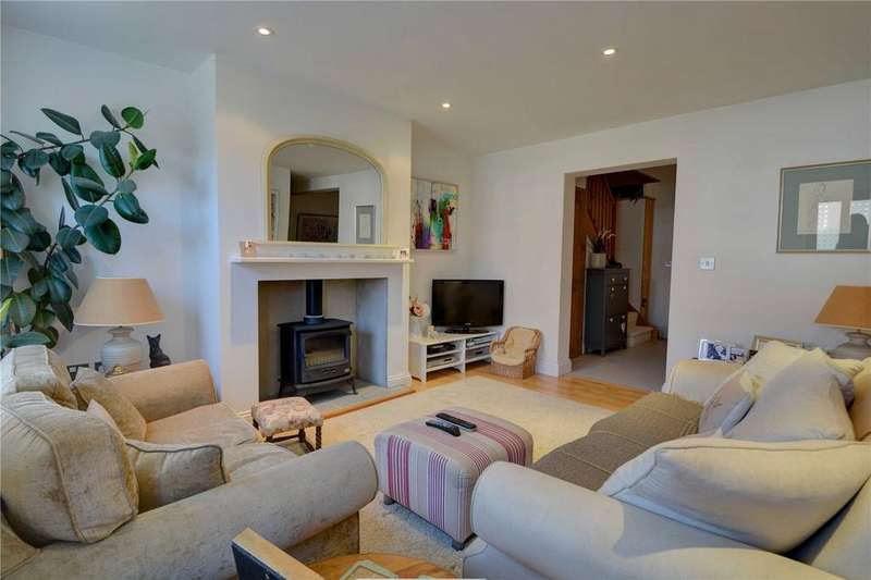 3 Bedrooms House for rent in Sussex Road, Petersfield, Hampshire
