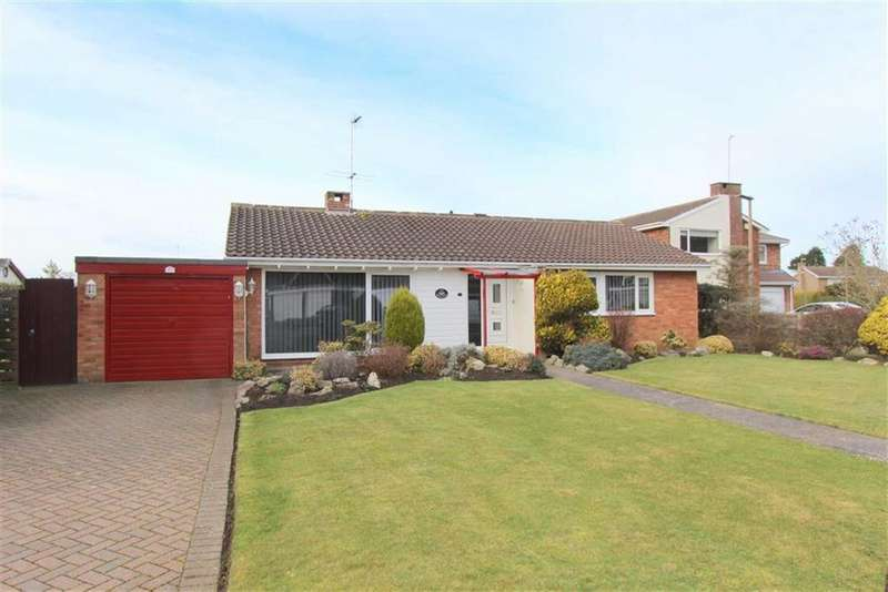 3 Bedrooms Detached Bungalow for sale in Hall Park Drive, Lytham St Annes, Lancashire