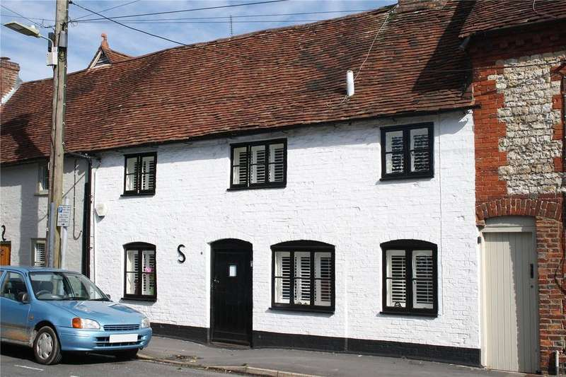 2 Bedrooms Terraced House for sale in Sussex Road, Petersfield, Hampshire, GU31