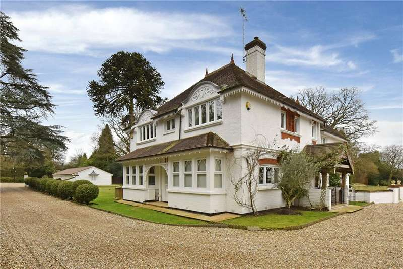 5 Bedrooms Detached House for rent in Aldershot Road, Pirbright, Woking, Surrey, GU24