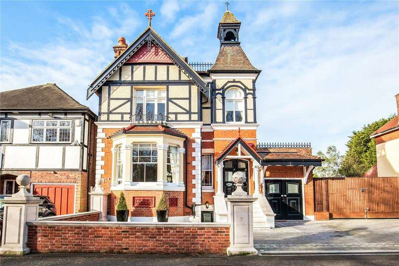 4 Bedrooms Detached House for sale in Crescent Road, London, E4