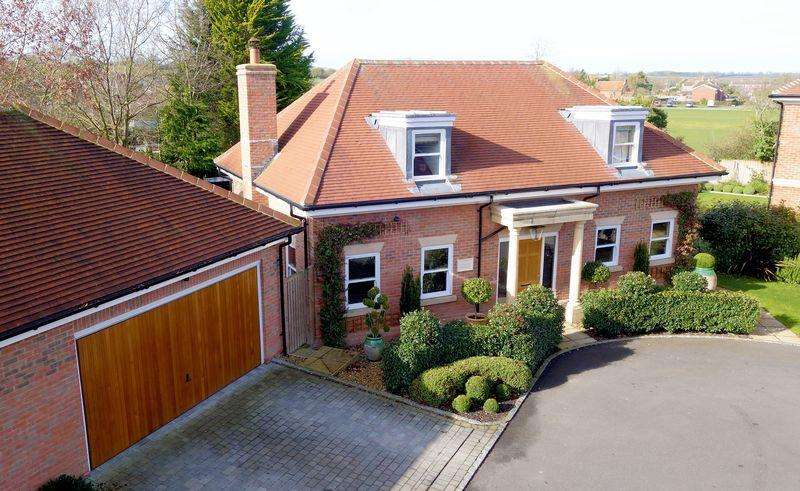 3 Bedrooms Detached House for sale in Tetsworth, Oxfordshire