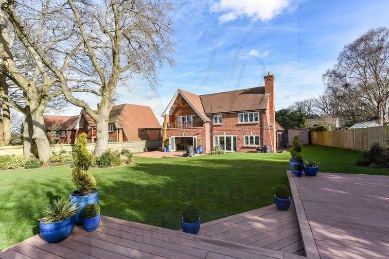 4 Bedrooms Detached House for sale in Award Road, Wimborne