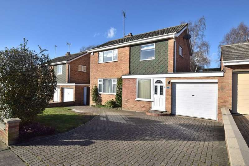 3 Bedrooms Detached House for sale in St. Mark Drive, Colchester, CO4 0LP