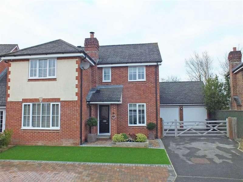 4 Bedrooms Detached House for sale in Newhurst Park, Hilperton, Wiltshire, BA14