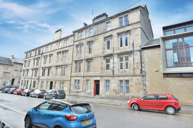 3 Bedrooms Flat for sale in 28 Otago Street, Hillhead, G12 8JH