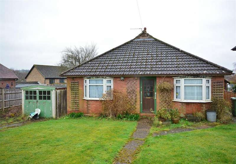 2 Bedrooms Detached Bungalow for sale in Brightling Road, Robertsbridge