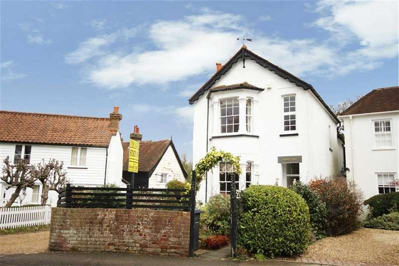 3 Bedrooms Detached House for sale in Dury Road, Hadley Highstone, Hertfordshire