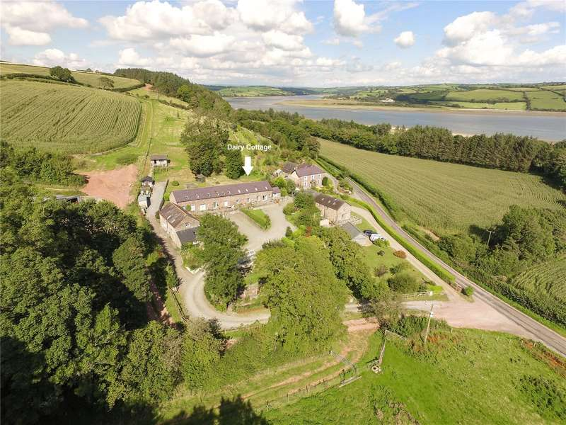 3 Bedrooms Semi Detached House for sale in Dairy Cottage, Llansteffan, Carmarthen, Carmarthenshire