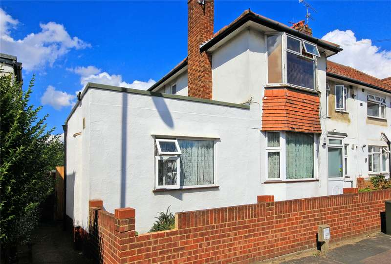 3 Bedrooms Maisonette Flat for sale in Eve Road, Woking, Surrey, GU21