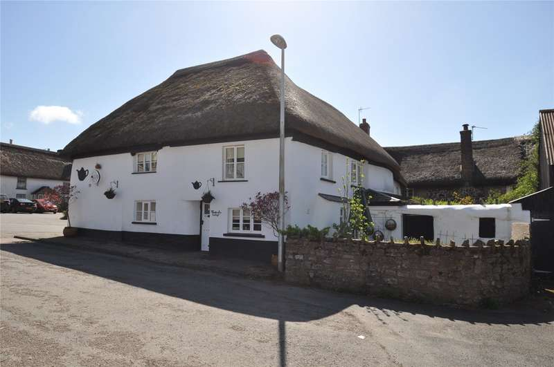 3 Bedrooms Semi Detached House for sale in The Square, Witheridge, Tiverton, Devon, EX16