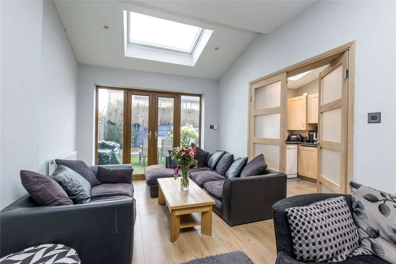 3 Bedrooms Terraced House for sale in Pirbright Road, Southfields, London, SW18