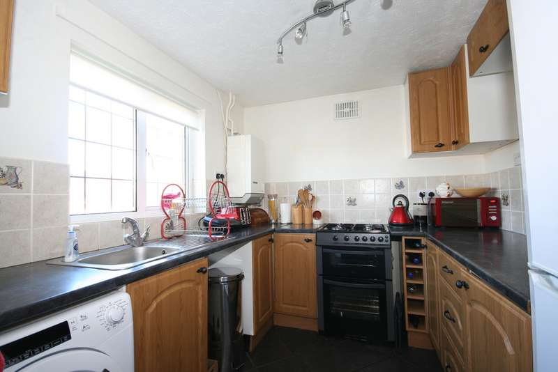 3 Bedrooms Property for rent in Christchurch Way, Dover CT16