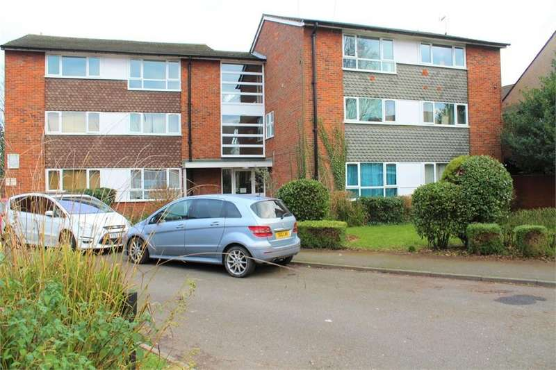 2 Bedrooms Flat for sale in Landsdowne Court, Slough, Berks