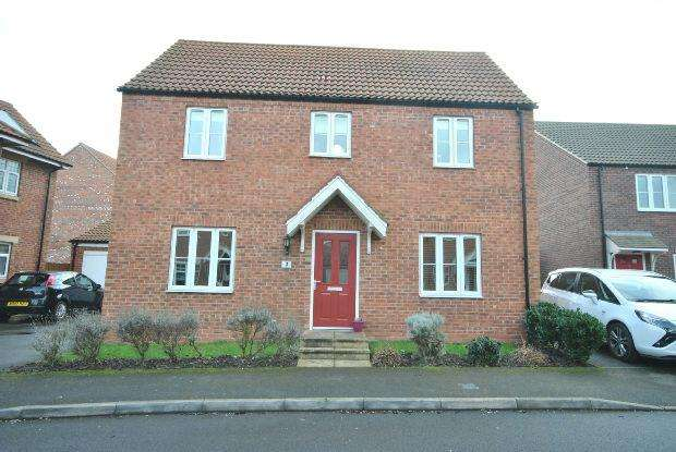 3 Bedrooms Detached House for sale in Amberley Close, Scartho Top, Grimsby