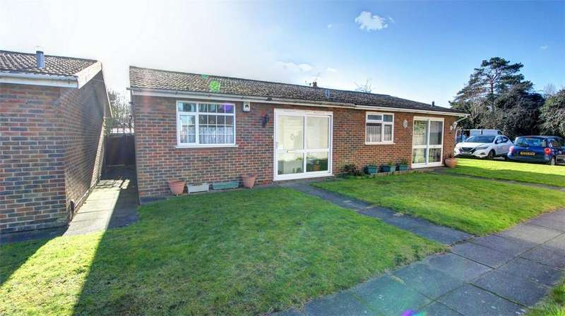 1 Bedroom Semi Detached Bungalow for sale in Brewery Road, Bromley, Kent