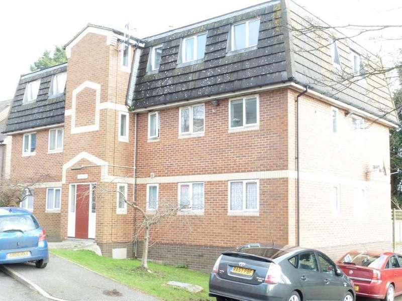 2 Bedrooms Flat for rent in Sycamore House, Beecham Place, St. Leonards On Sea, East Sussex, TN38 9BP