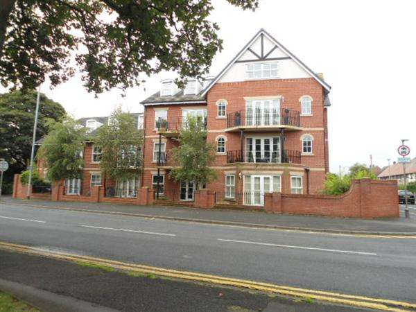 2 Bedrooms Apartment Flat for rent in Berkeley Court, Higher Green, Poulton-Le-Fylde