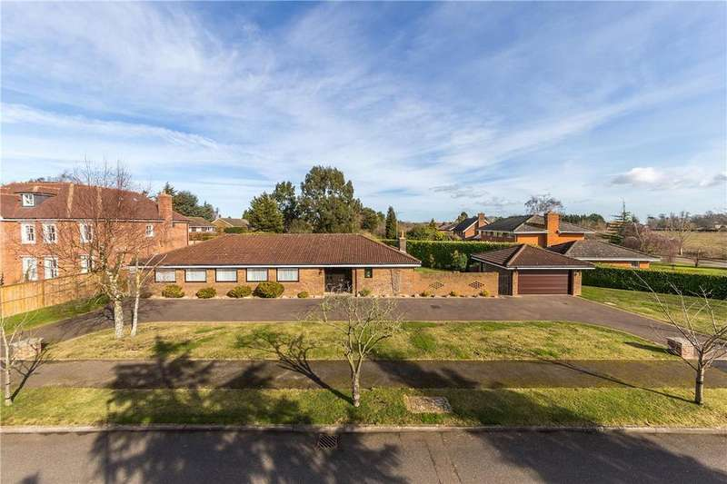 4 Bedrooms Detached Bungalow for sale in Prospect Lane, Harpenden, Hertfordshire