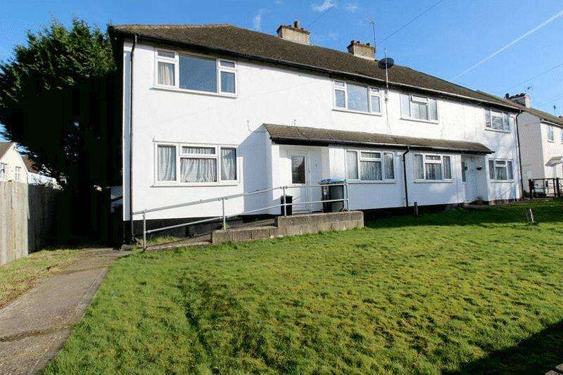 2 Bedrooms Maisonette Flat for sale in Gresham Avenue, Warlingham