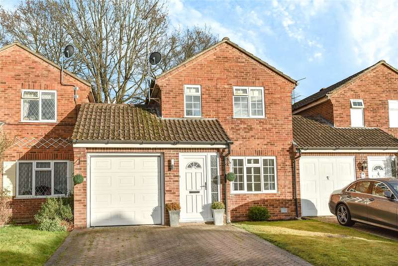3 Bedrooms Link Detached House for sale in Rother Close, Sandhurst, Berkshire, GU47