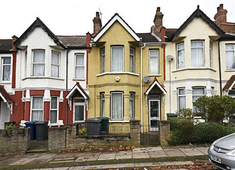 3 Bedrooms Terraced House for sale in Montagu Road, Hendon, London