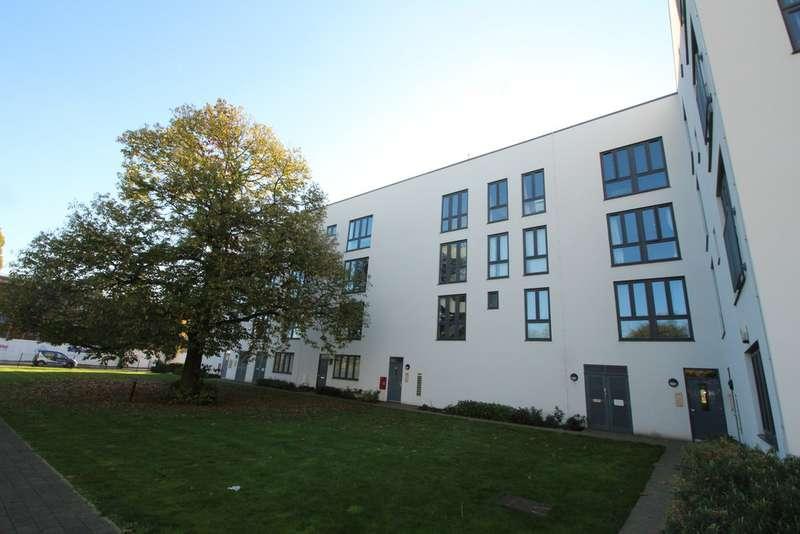 1 Bedroom Apartment Flat for sale in Penn Way, Welwyn Garden City AL7