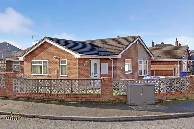 3 Bedrooms Detached Bungalow for sale in Chelmorton Drive, Lightwood