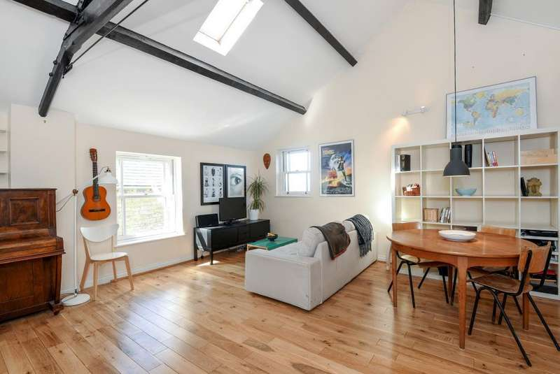 1 Bedroom Flat for sale in West Street, Chipping Norton, OX7