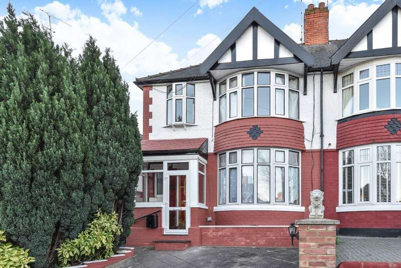3 Bedrooms Detached House for sale in Hollickwood Avenue, London, N12