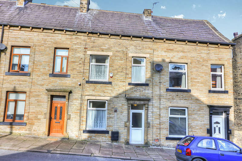 3 Bedrooms Terraced House for sale in Eldroth Road, Halifax, HX1