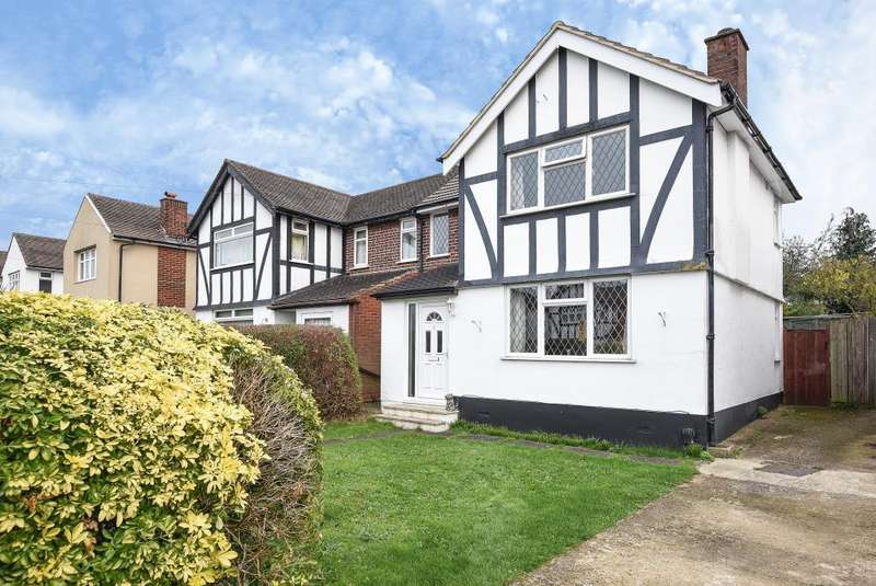 3 Bedrooms House for sale in Mill Way, Bushey, WD23