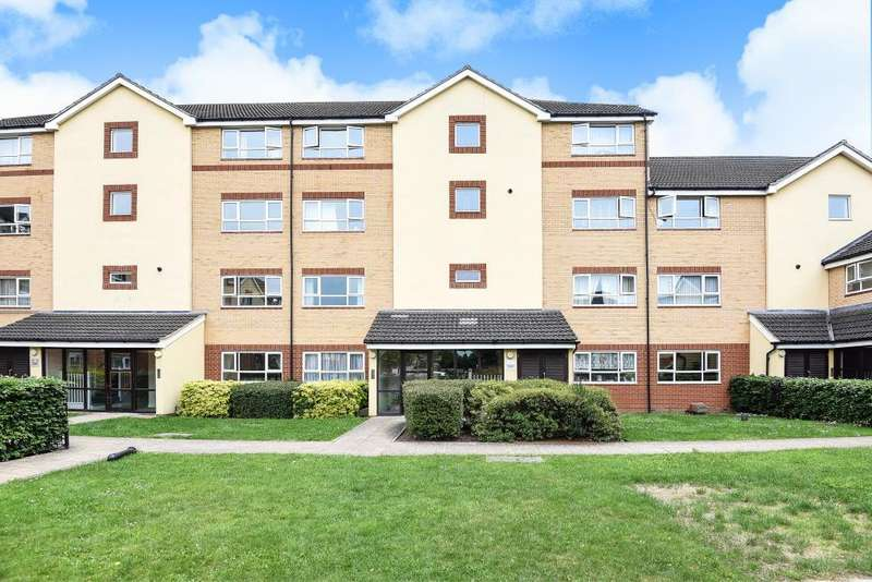 2 Bedrooms Flat for sale in Phoenix Court, Chertsey Road, Feltham, TW13