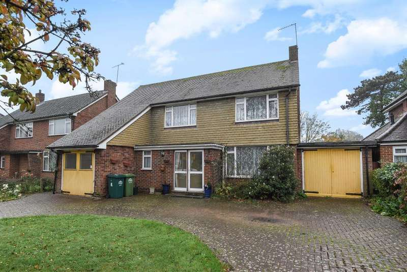 3 Bedrooms Detached House for sale in Pine Wood, Lower Sunbury, TW16
