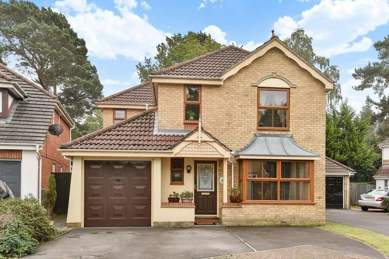 4 Bedrooms Detached House for sale in Heathside Park, Camberley, GU15
