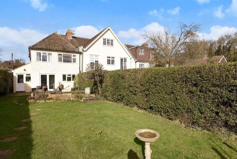 3 Bedrooms House for sale in Thorpe Village, Surrey, TW20