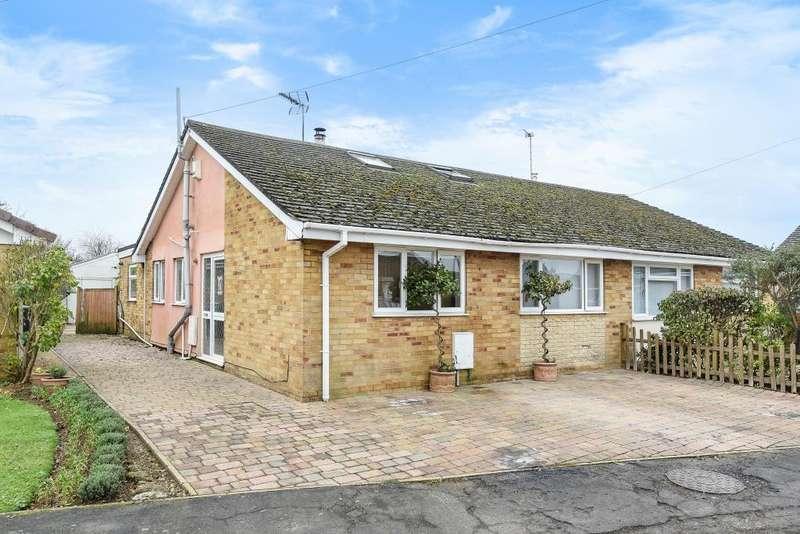 4 Bedrooms Bungalow for sale in Ducklington, Witney, OX29