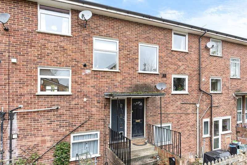 2 Bedrooms Maisonette Flat for sale in Chesham, Buckinghamshire, HP5