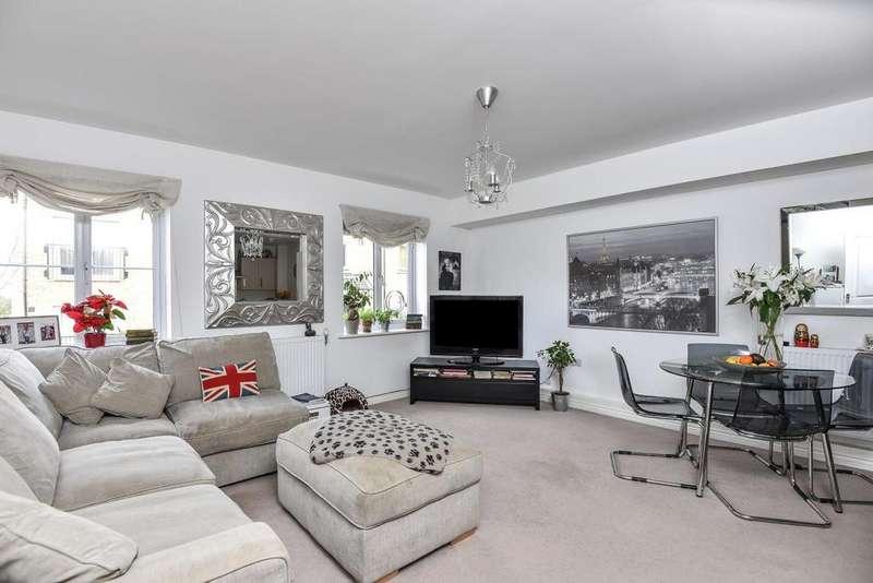2 Bedrooms Flat for sale in Waratah Drive, Chislehurst