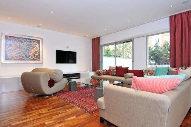 3 Bedrooms Flat for sale in The Galleries, St Johns Wood NW8, NW8